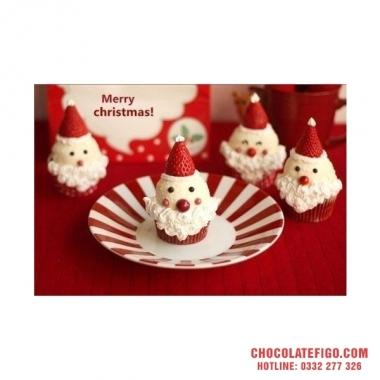 Cách làm ông già Noel ngộ nghĩnh với dâu tây và socola